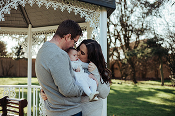 Spring family mini sessions outdoors